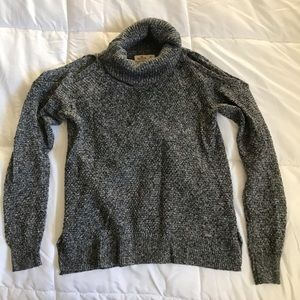 Hollister gray turtleneck cold shoulder sweater
